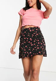 daisy street mini skirt with front splits in romantic floral-Black