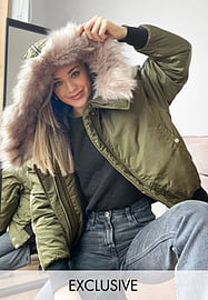 Reclaimed Vintage inspired ma1 bomber jacket with fur trim in khaki-Green
