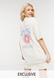 Reclaimed Vintage inspired pocket t shirt dress with graphic in oatmeal-Neutral