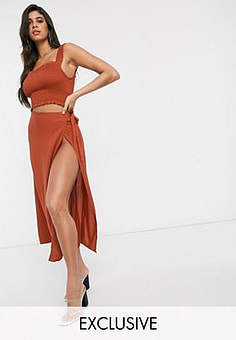 Akasa Exclusive wrap side beach skirt in rust-Red