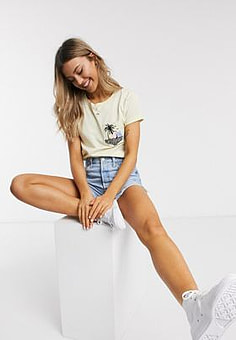 Brave Soul paradise t-shirt with palm tree embroidered patch in cream