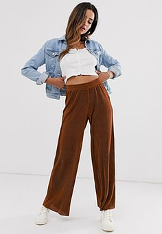 b.Young loose fit trousers-Red