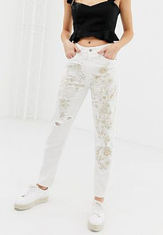 Glamorous distressed and embroidered boyfriend jeans-Cream