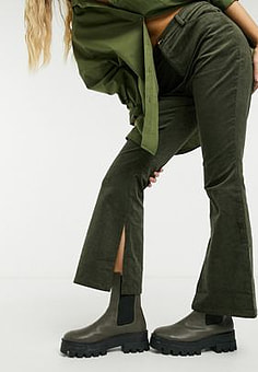 Glamorous flare trousers in brown corduroy-Green
