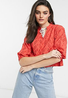 Native Youth broiderie blouse in red
