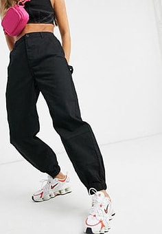 Noisy May tapered trousers in black