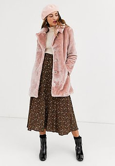 QED London faux fur coat in blush-Pink