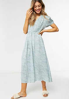 QED London shirred front midi dress in mint ditsy floral-Green