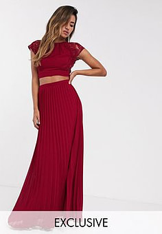 TFNC Bridesmaid pleated maxi skirt in wine-Red