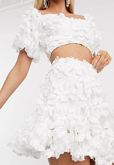 Love Triangle 3d lace skirt co ord-White