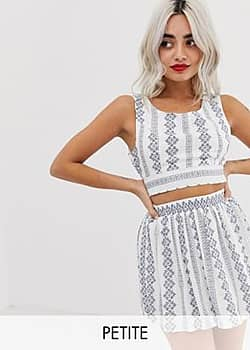 Parisian crop top with contrast embroidery-White